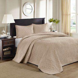 Lilia Reversible Bedspread Set